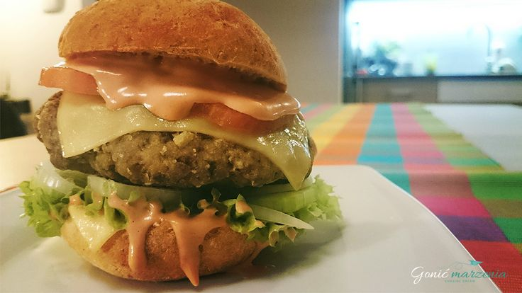 www.gonicmarzenia.pl/domowe-hamburgery/ Hamburger