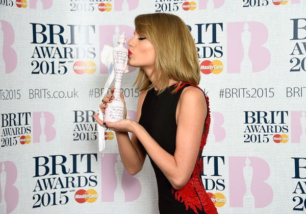Taylor Swift Photos - Singer Taylor Swift, winner of the International Female…