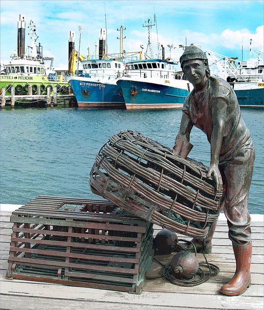 Bronze Statue of Fisherman....( Fremantle, Australia. )