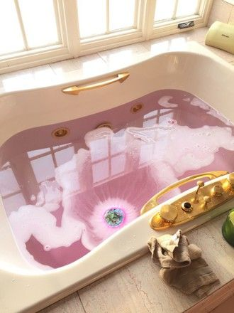 home accessory pink gold home decor bath bathroom tub white gold and white white and gold pink and gold gold and white tub tumblr what is this pink water water cool pretty dope trill gold platted jeans shirt smoky explosion dope wishlist bath bomb