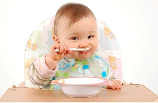 7 makanan pertama terbaik untuk bayi anda.