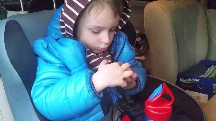 Ремни безопасности для ребенка в автокресле и СКОЛЬЗКАЯ КУРТКА