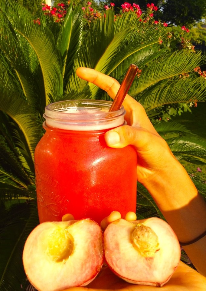 Watermelon Juice and White Peaches! Hot weather calls for hydrating fruits! Who agrees?!