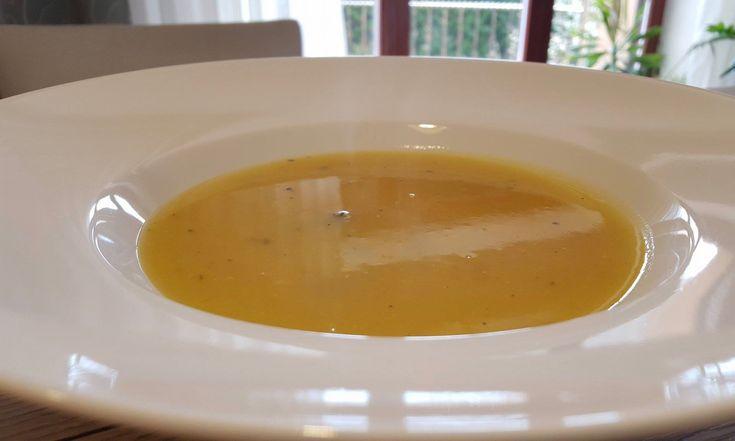 Polievka z maslovej tekvice - Antónia Mačingová