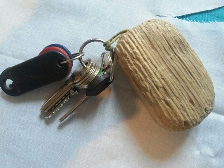 Porte clef en bois flotté
