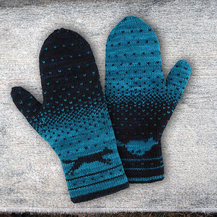 I love the reverse ombre, and of course, the two running wolves. Ravelry: Karigan's Yuma Double Knitting Mittens.