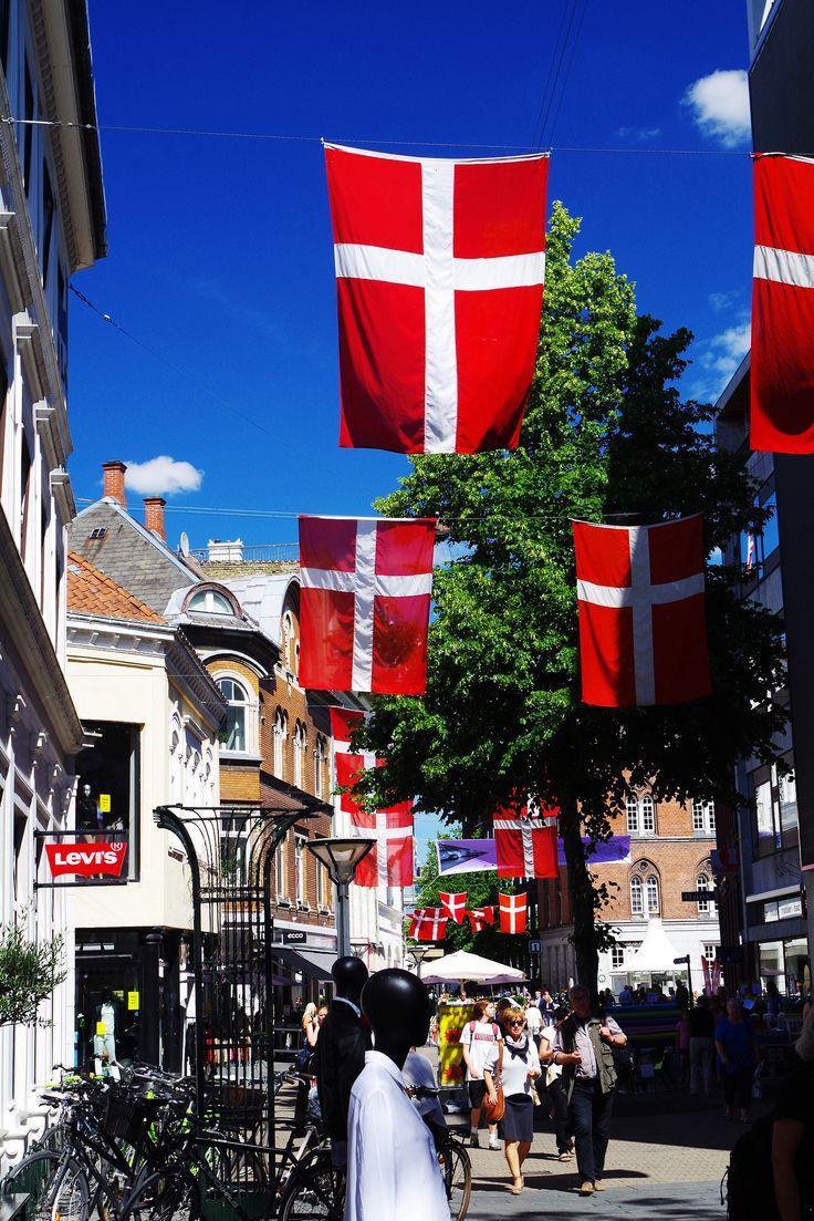 https://flic.kr/p/o15TdC | Einkaufsstraße in Odense