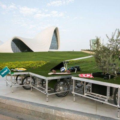 """Mało zieleni w mieście? To nic. Możesz przecież zabrać ze sobą swój mały ogródek wszędzie. Posłuży do tego """"Parkcycle swarm"""" autorstwa Johna Bela z Rebar Group oraz Tilla Wolfera z N55. http://www.sztuka-krajobrazu.pl/518/slajdy/przestrzen-publiczna-ndash-ruchomy-park"""