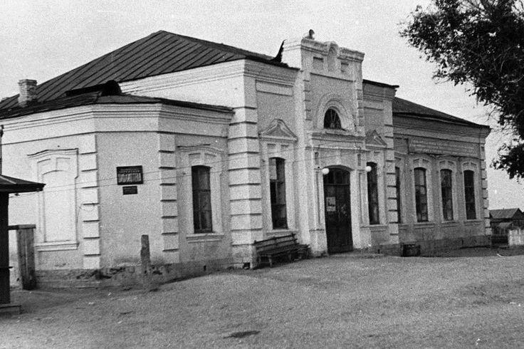 Ставропольский районный Дом культуры (РДК) в здании бывшей Успенской церкви на улице Кооперативной