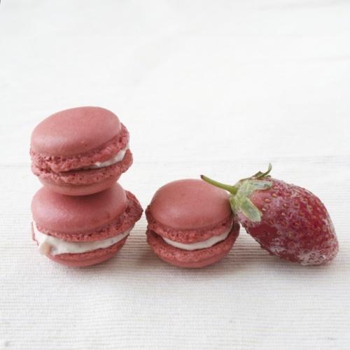 Pink Macarons with Frozen Strawberries Balsamic Mascarpone Cheese