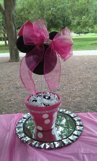 Minnie Mouse Centerpieces for Minnie Mouse Bow-Tique 1st Birthday Party. Alternated black and pink.