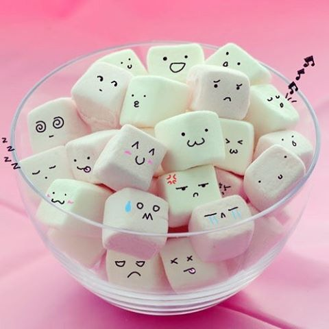 I'll  sure have a hard time if I have to make this emoji mallows for smores…