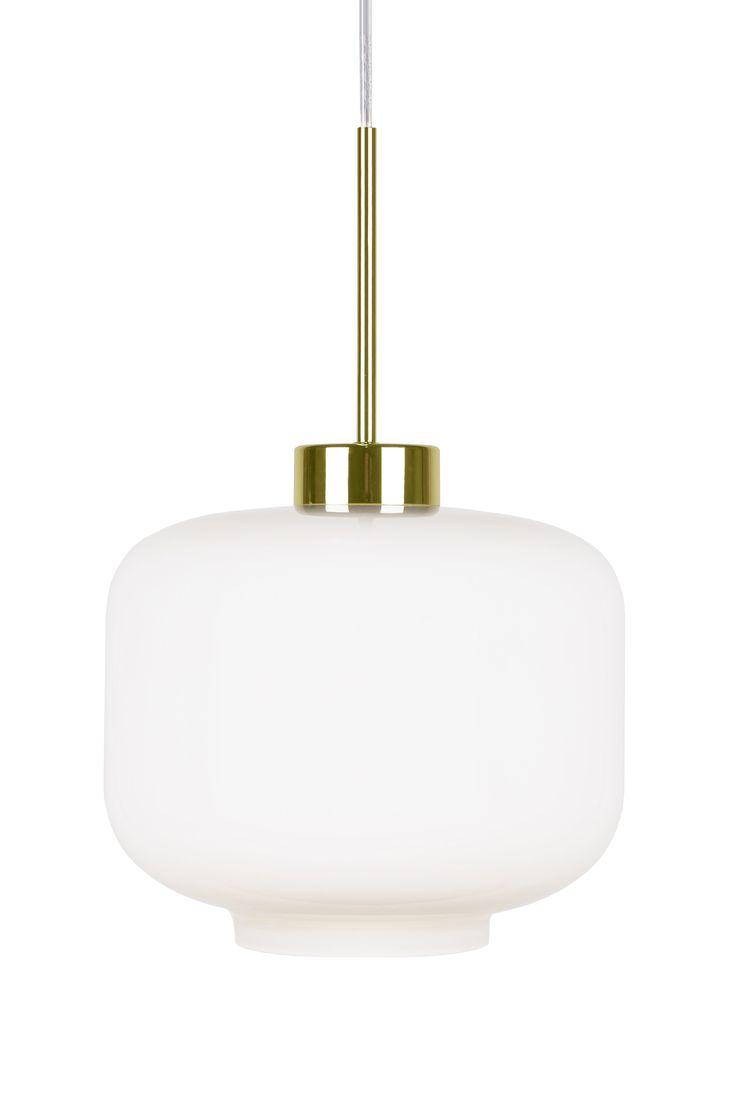 Ritz taklampa frosty från Globen Lighting hos ConfidentLiving.se. 22x25. 950 kr