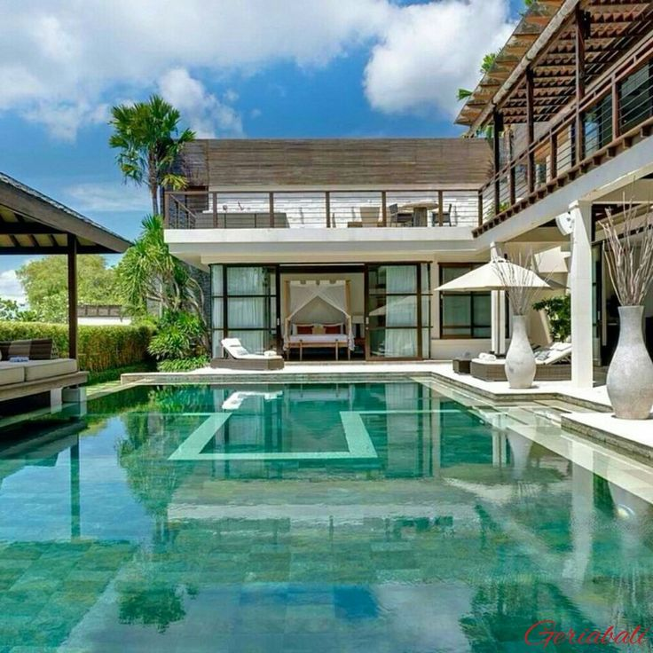 Perched high a top a hillside on Bali's south coast, with sweeping views over the tranquil waters of #Jimbaran Bay. For detail visit : buff.ly/2idiM8i . #geriabali #bali #balivilla #hgtv #beautifuldestinations #luxurybali #destinosmaravilhososbyeli #ootd #theluxurylifestylemagazine #bgbk #luxurypersian #luxuryvilla  #villalife  #luxurylifestyle #jimbaranbay #villainbali #travel #pinktrotters #instagram #trip #sassychris1 #facebook #luxwt #worldtravelmart #wonderfulindonesia #wtm…