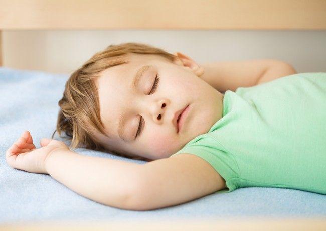 Ce trebuie si ce nu trebuie sa faci in legatura cu somnul copilului