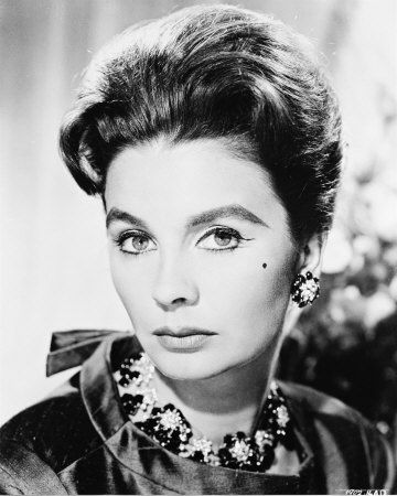 Actress Jean Simmons Dies From Lung Cancer