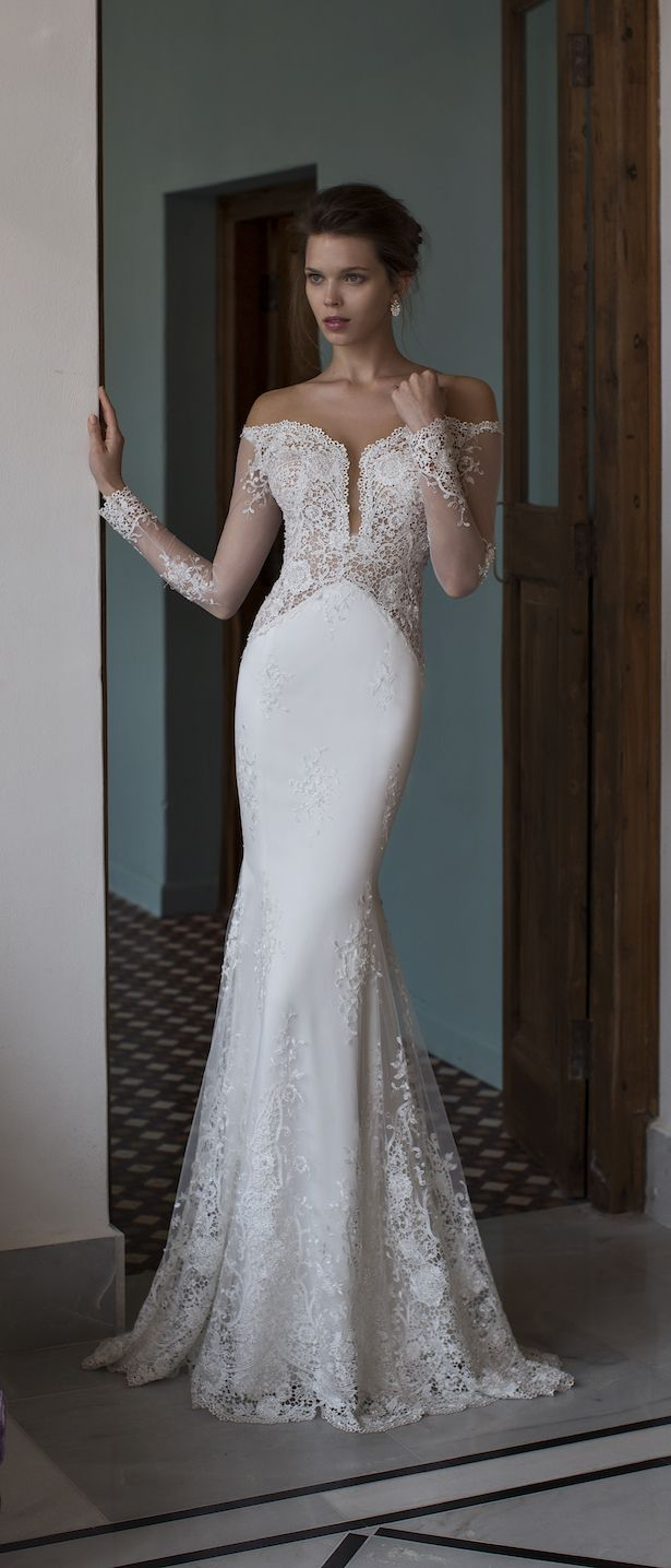 Glamorous mermaid bridal gown | Riki Dalal 2016 Verona Wedding Dress Collection via @BelleMagazine