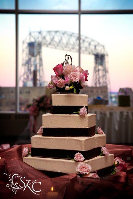 Cake With The Lift Bridge Behind Harbor Side Ballroom Wedding At Deccorg Duluth MN Photo By Sarakcavallinblogspot