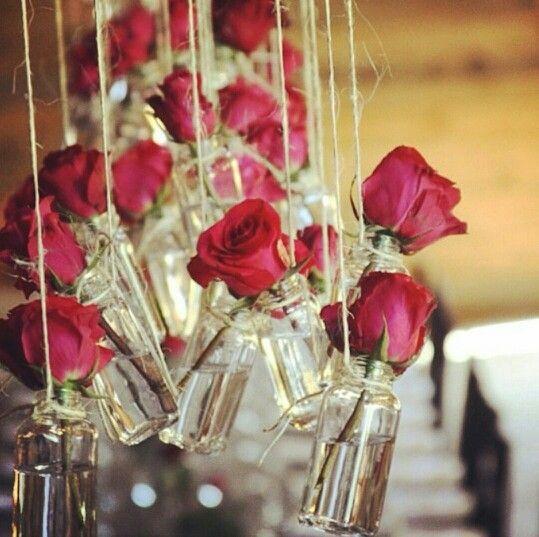 Ideas para bodas matrimonio rosas rojas flores colgantes