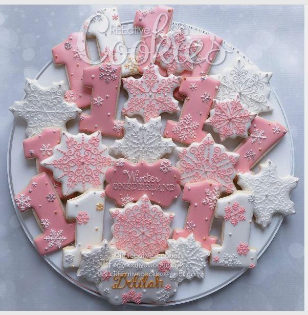 "LOVE THE SNOWFLAKES. cREEative Cookies by Ree  on Instagram: ""#latepost Winter ONEderland birthday cookies! ❄️ #creeativecookies #decoratedsugarcookies #decoratedcookies #birthdaycookies #customcookies #themedcookies #wintercookies #winteronederland #winterwonderland #winteronederlandcookies #firstbirthday #partytheme #cookieart #cookiemonster #cookiesofinstagram #instalove #instafollow #sandiego #birthdaygirl #sugarart #sugarcookieart"""