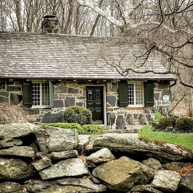 25 best ideas about stone cottages on pinterest for Small stone cabin
