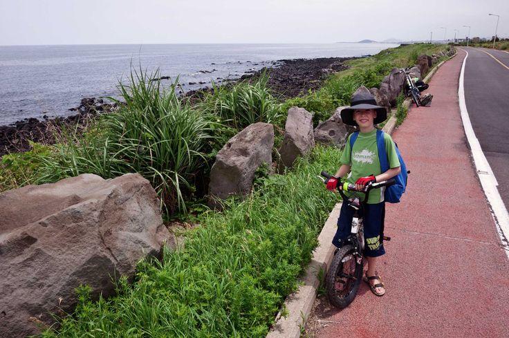 coastal_bike_path_on_Jeju_island