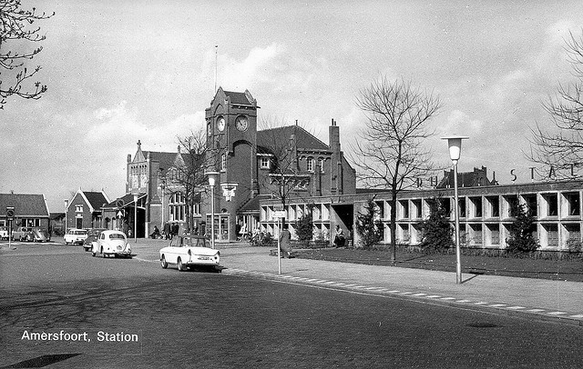 Station Amersfoort eind jaren 50 begin 60'er jaren uit de vorige eeuw.