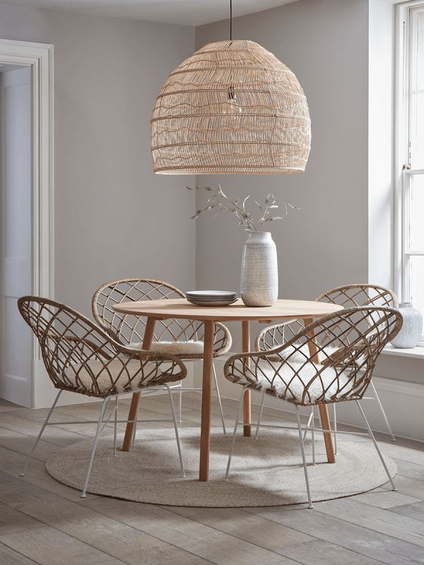 Round Oak Dining Table In 2020 Rattan Dining Chairs Luxury