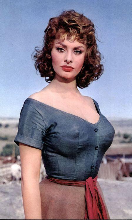Sophia Loren, guapa y altiva como siempre.