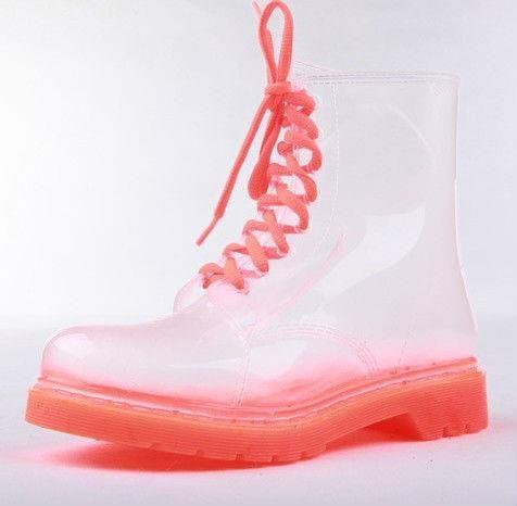 Женская непромокаемая обувь на весну