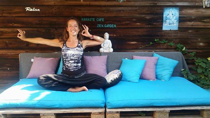 Tibetaanse Yoga met yogabrunch- door Mariette