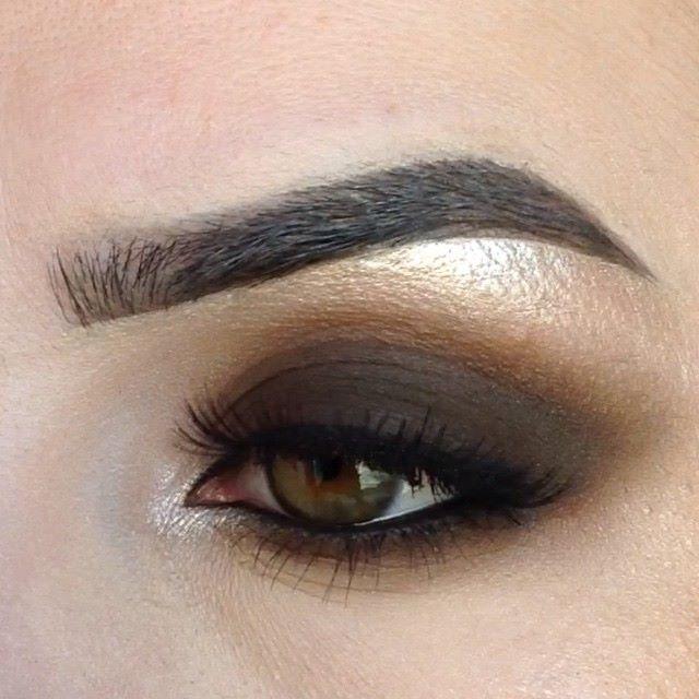Regram from @mrs_akaeva (http://ift.tt/1SuUu2g) Как и обещала классический коричневый смоки  приятного просмотра -------------------- As I also promised  classic matte brown smokey eye press  Used products:  pencil brown #loreal color rich eyeshadow #bobbibrown 18 & 11 gel eyeliner #Mac under brow #inglot 180 pigment…
