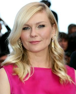 20 Celebrity Hair Styles for Round Faces: Kirsten Dunst
