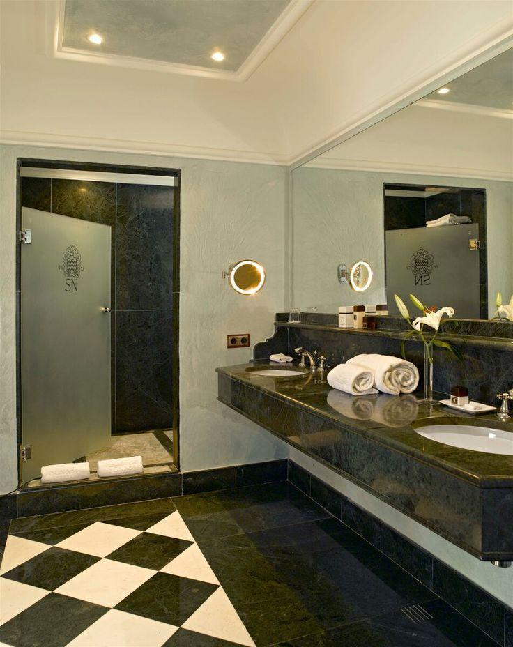 GRAN HOTEL SON NET  I  MALORKA:  Kvalitná gastronómia, šport a kozmetické procedúry - to len časť ponuky hotela v Serra Tramuntana. Pri rekonštrukcii bola venovaná veľká pozornosť zachovaniu charakteru budovy, jej prírodného kameňa, podláh a starobylých drevených trámov. Tieto štýlové prvky v kombinácii s klasickou eleganciou dizajnu interiérov môžte nájsť vo všetkých verejných priestoroch a izbách. http://www.holamallorca.net/ubytovanie-mallorca/gran-hotel-son-net