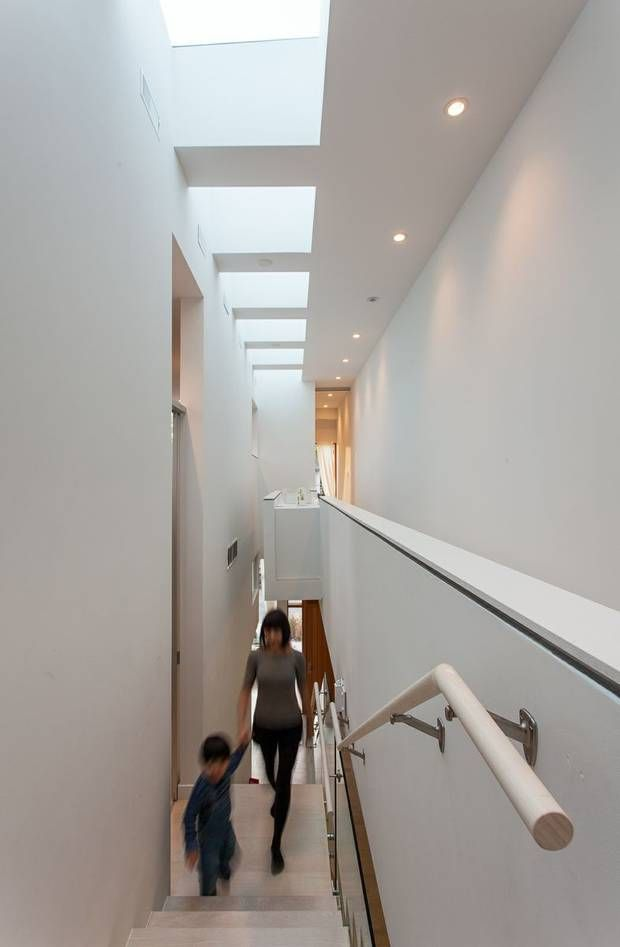 Toronto infill design that stretches to catch the sun - The Globe and Mail