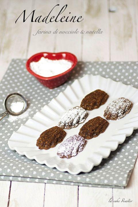 """l'angolo de """"la cake disaster"""": Madeleine con farina di nocciole e nutella"""