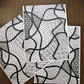Zendoodles : des modèles en Noir et blanc pour guider les enfants - coin graphisme en autonomie ? à voir
