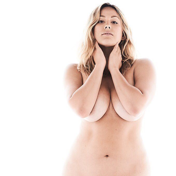 Nude goth girl ass