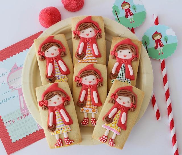Postreadicción: Galletas decoradas: Caperucita Roja / Redridinghood cookies
