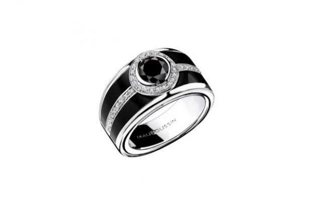 L'anello L'Oeuvre Noire di Mauboussin diventa un dessert http://buff.ly/1bouRiS #luxury #lusso #pinxo oeuvre-noire-dessert oeuvre-noire-anello