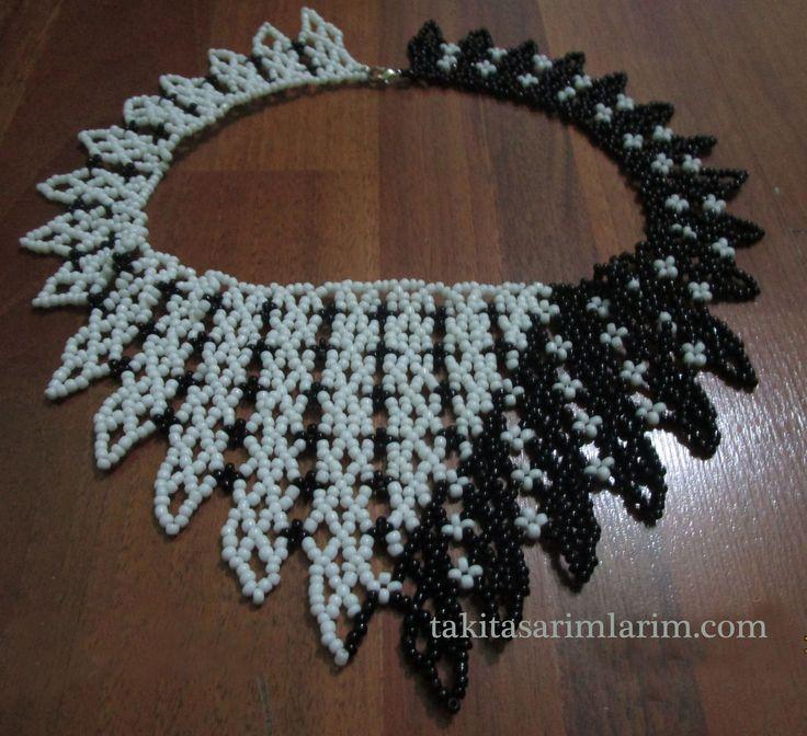 Takı Yapılışı-Siyah Beyaz Kum Boncuktan Gerdanlık Kolye Yapımı