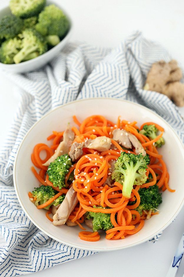 Sesame-Ginger Garlic Chicken and Broccoli Carrot Noodle Stir Fry | 34 Clean Eating Recipes That Are Perfect For Spring