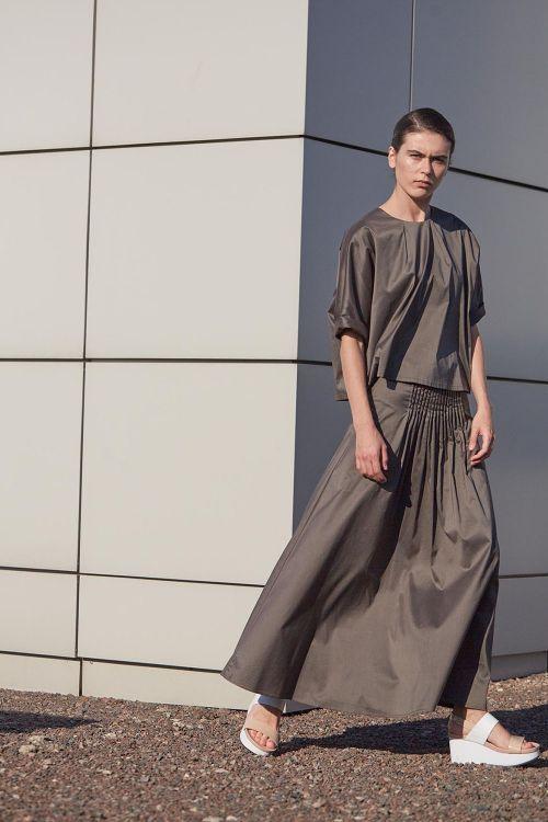 Купить Юбка ШИРОКАЯ с вертикальными защипами из коллекции «…И ВХОДИТ ЖЕНЩИНА» от Lesel (Лесель) российский дизайнер одежды