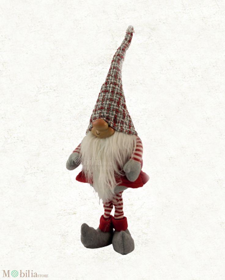 Peluche Gnomo Uomo, ideale come regalo di natale per lui, accessorio decorativo da mettere nella cameretta dei tuoi bambini o vicino l'albero di natale. Novità su Mobilia Store.
