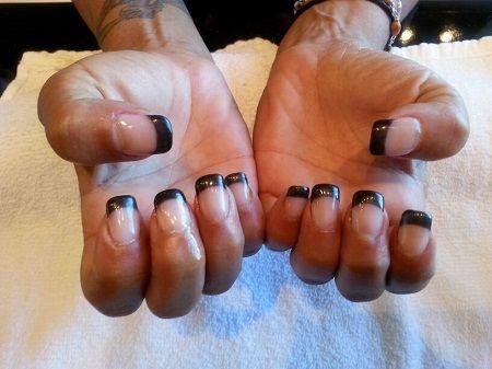 Reverse Black French Manicure www.vixenspa.com