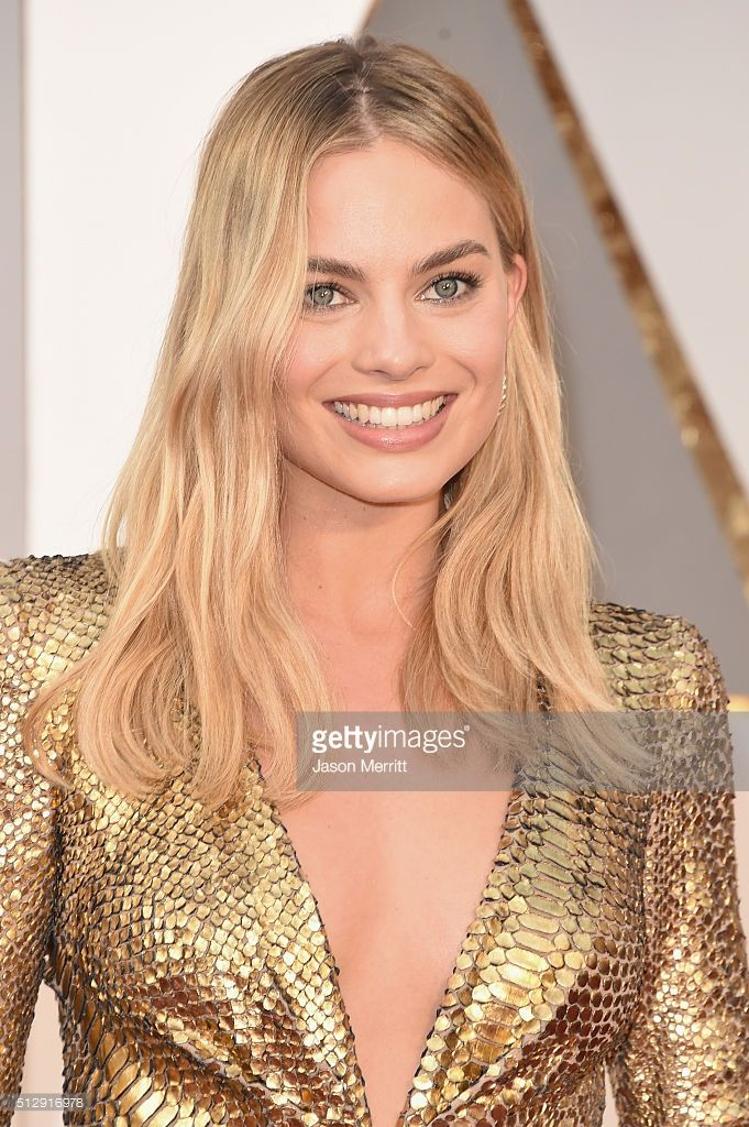 actress-margot-robbie-attends-the-88th-annual-academy-awards-at-on-picture-id512916978 (681×1024)