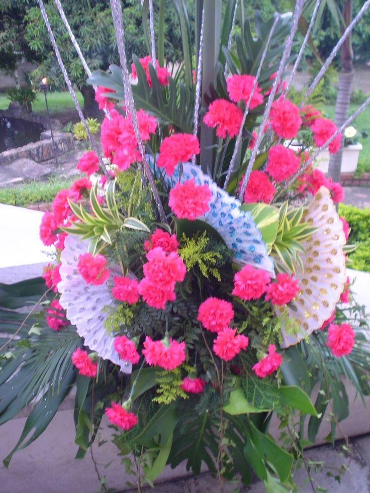 arreglos de flores en claveles matrimonio gitano
