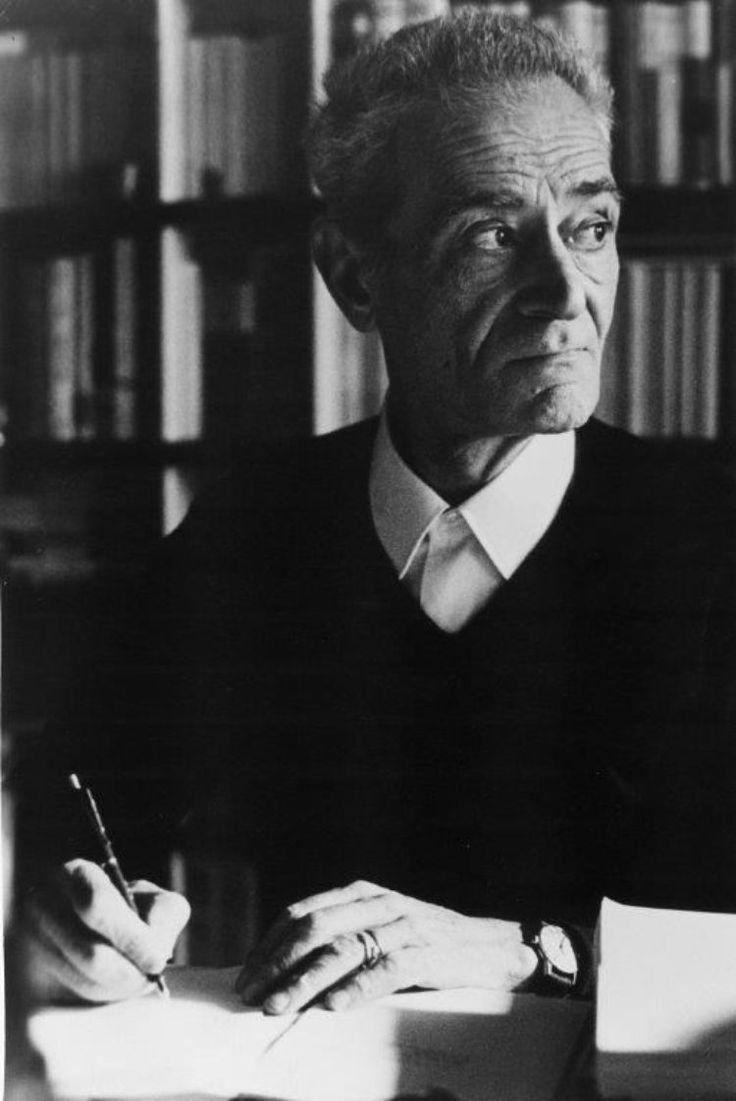 Giorgio Caproni (Livorno, 7 gennaio 1912 – Roma, 22 gennaio 1990), poeta, critico letterario e traduttore italiano.