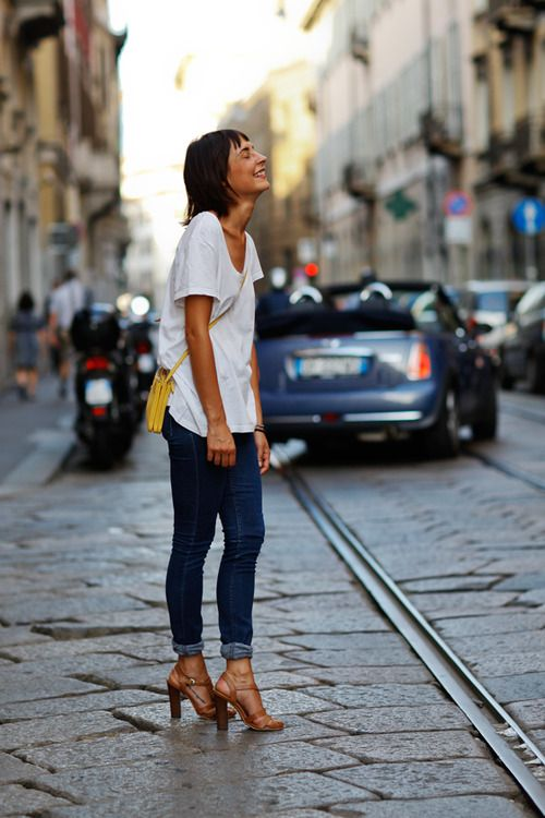 White tee and jeans. Perfect. can get this look with CAbi's ruby jeans and resort tee or waverly tee www.kellygirl.cabionline.com