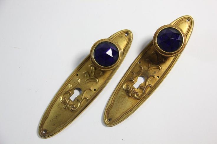 2x Art Deco Tür Beschlag Messing mit facettierten kobaltblauem Glas Knauf ~1930. Sold for EUR 79,99